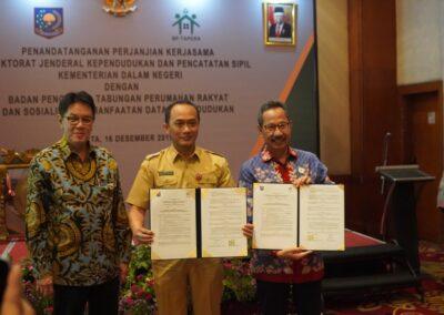 Penandatanganan PKS dengan DUKCAPIL